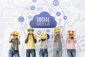 Top 4 Advantages of Using Social Media Sites 2020